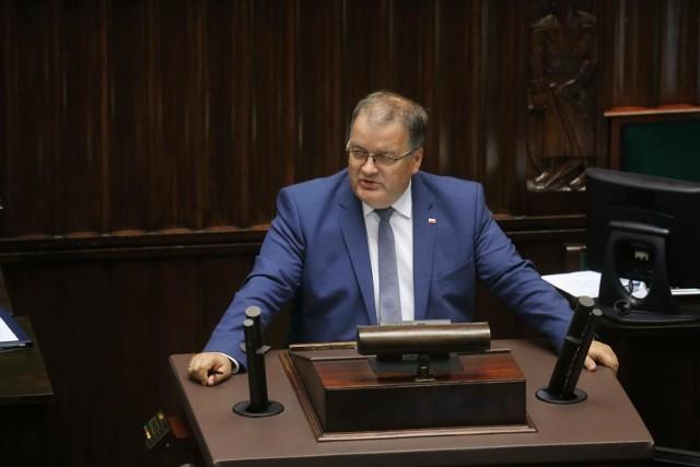Sąd Najwyższy uchylił wyroki ws. łamania obostrzeń epidemicznych. Andrzej Dera: Może być potrzebna nowelizacja ustawy dot. epidemii