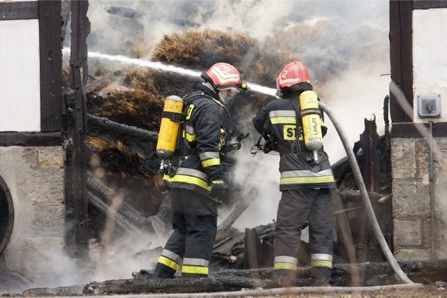 Pożar gospodarstwa w Garkach wybuchł w sobotę po godzinie 15