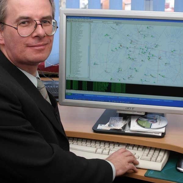 """- Z komunikatora na skorzystają wszyscy, którzy mają dostęp do bezprzewodowego miejskiego internetu w sieci """"Resman"""" - zapewnia Lesław Bańdur."""