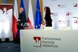 Wybory prezydenckie 2020. PKW o cząstkowych wynikach wyborów: Andrzej Duda: 51,21, Rafał Trzaskowski: 48,79 procent