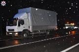 Kierowca ciężarówki nie miał szans ominąć pieszego. Tragiczny wypadek w pow. świdnickim