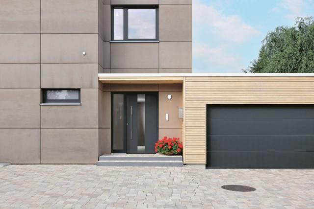 Bezpieczna stolarka budowlanaKonstrukcja okien, drzwi zewnętrznych i bramy garażowej powinny być odpowiednio zbudowane i mieć oznaczenia, które informują o ich stopniu zabezpieczenia antywłamaniowego. Wysoki standard bezpieczeństwa stolarki okiennej i drzwiowej nie musi zaburzać ich estetyki. Jest wiele wyrobów, spośród których wybierzemy produkt o dowolnej kolorystyce, stylu wykończenia oraz zindywidualizowanym wyposażeniu dodatkowym. Dzięki bogatej ofercie, za rozsądną cenę można nabyć drzwi i okna, które będą bezpieczne, a przy tym funkcjonalne i estetyczne.