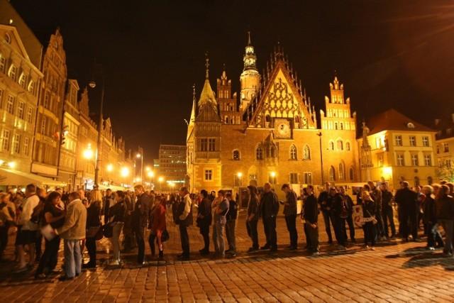 Takie oblężenie przeżywa poczta w Rynku przed północą 30 kwietnia!