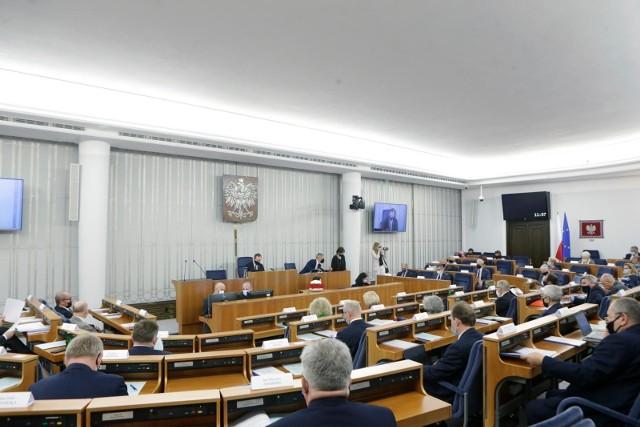 Ustawa ratyfikacyjna bez preambuły opozycji. Władze KO zapowiadają konsekwencje dla senatorów