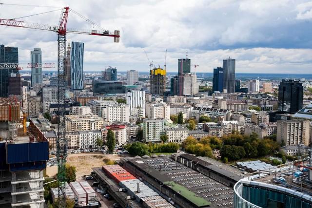 """W styczniu 2020 roku przeciętne wynagrodzenie brutto w sektorze przedsiębiorstw wyniosło 5282,80 zł, co oznacza kwotę """"na rękę"""" około 3770 zł."""
