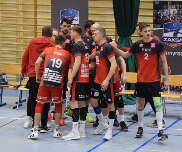 Mickiewicz Kluczbork umocnił się na ósmej pozycji w tabeli 1 ligi.
