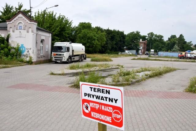 Dworzec busów przy ulicy Mielczarskiego nie istnieje od roku, a w rozkłądzie jazdy niektórych przewoźników figuruje jako przystanek początkowy.
