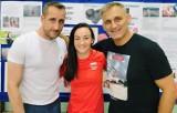 Znani olimpijczycy - Sandra Drabik i Wojciech Bartnik - odwiedzili Jędrzejów. Było ciekawe spotkanie z uczniami [ZDJĘCIA]