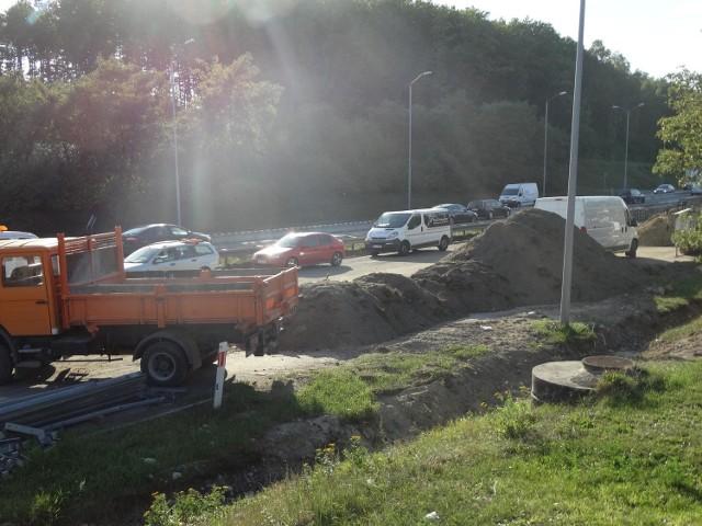 Gigantyczny korek na autostradzie A4 spowodowany jest robotami w Rudzie Śląskiej