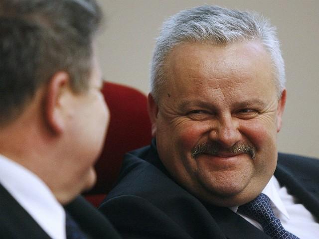 Marszałek Karapyta to swój człowiek - mówią samorządowcy w Lubaczowie, Cieszanowie i Ropczycach.
