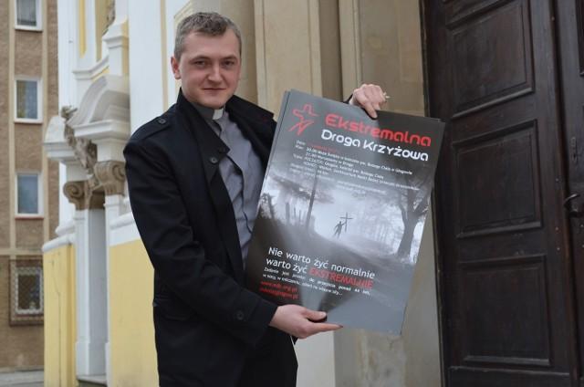 Ksiądz Jakub Włodarczak, wikary parafii pw. św. Mikołaja