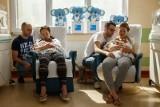 Kangurowanie – cudowna metoda ratująca zdrowie i życie noworodków. Dzisiaj Światowy Dzień Kangurowania