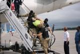 Przez agresywnego pasażera samolot zaliczył przymusowe lądowanie w Gdańsku [ZDJĘCIA]