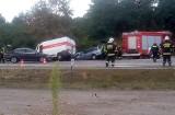KRZESZYCE Poważny wypadek na krzyżówce. Bus wjechał wprost pod forda. Ranne są dwie osoby. Na miejsce przyleciał helikopter LPR