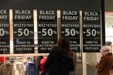 Black Friday - promocje. Jakie sklepy i wyprzedaże? Co oferują Zara, H&M, Media Expert, Rossmann, Media Markt, Zalando i inni?