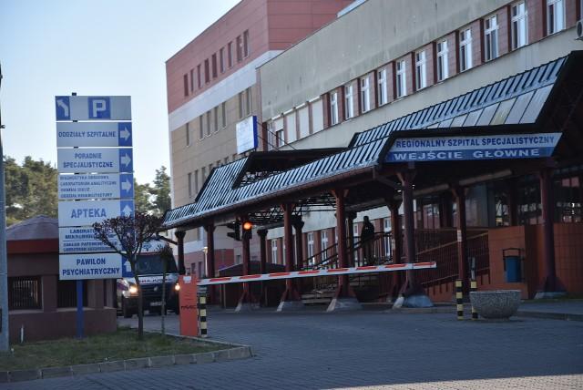 """Szpital w Grudziądzu jest koordynacyjnym dla całego Kujawsko-Pomorskiego. Ma zgodnie z obowiązującą decyzją Wojewody mieć zabezpieczone 500 łóżek """"covidowych"""" i 45 stanowisk respiratorowych"""