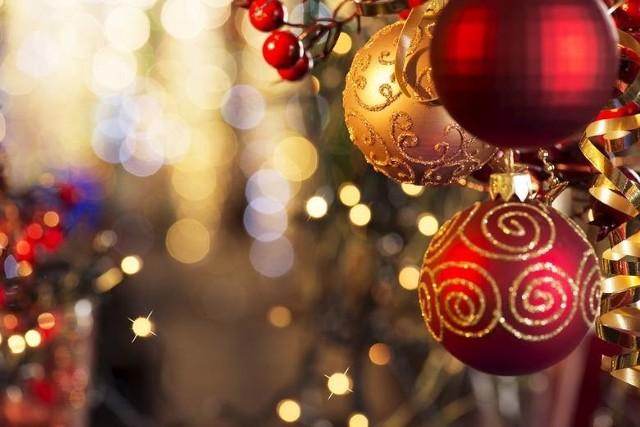 Życzenia świąteczne. Wierszyki na Boże Narodzenie. Życzenia sms, bożonarodzeniowe wierszyki. Zobacz najlepsze życzenia świąteczneŻyczymy Wam zdrowych i pogodnychŚwiąt Bożego Narodzenia. Niech ten czas spędzony w gronie najbliższychnapełni Wasze serca spokojem i radością. Niech błogosławieństwo Bożego Dzieciątka towarzyszy Wam przez całe Wasze życie, a szczere i najpiękniejsze Bożonarodzeniowe życzenia spełniają się w każdym momencie.