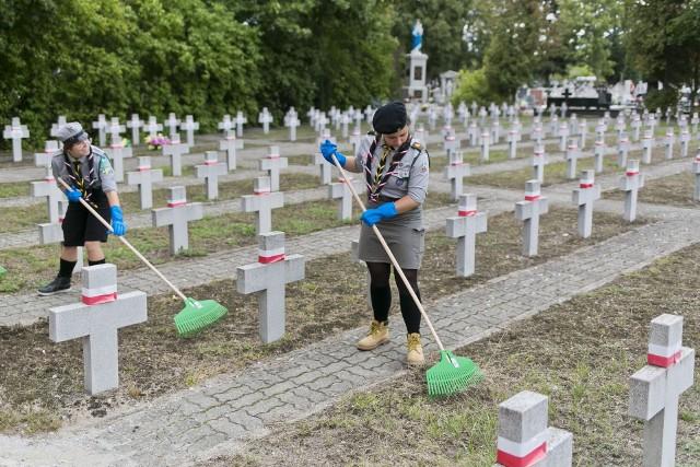 Groby weteranów Armii Krajowej można zgłaszać do 30 września tego roku.