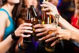 Pijesz – na pewno nie na zdrowie. Alkohol to pożywka dla nowotworów!