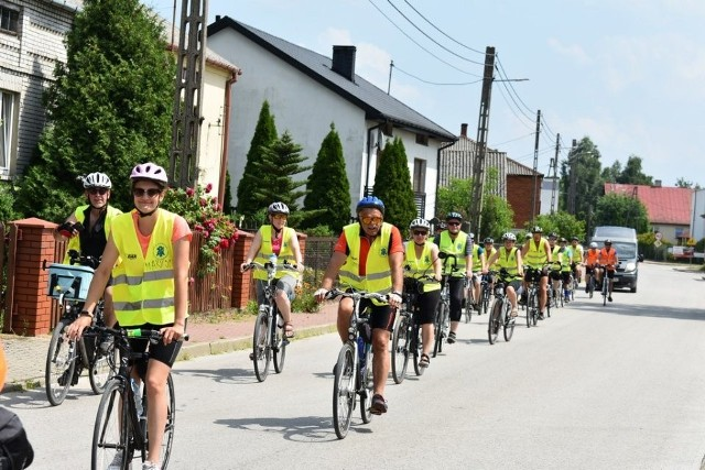 Pielgrzymi na rowerach zdążali do Częstochowy.