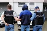 Policjanci z Bydgoszczy i Poznania rozbili gang złodziei aut. Zatrzymali 41- i 36-latka zamieszanych w przestępczość samochodową