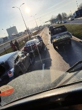 Karambol na Andersa. Pięć aut uczestniczyło w kolizji, trzy zablokowały lewy pas ruchu (zdjęcia)