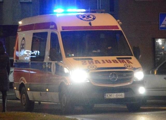 Ranny pieszy został odwieziony do szpitala.