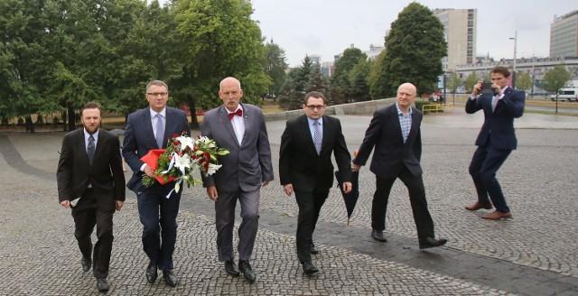 Janusz Korwin-Mikke przedstawił lidera listy KORWiN w Katowicach