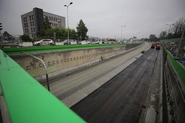 Finiszuje przebudowa węzła Piotrowice na DK81 w Katowicach, czyli remont skrzyżowania ulic Kościuszki i Armii Krajowej.Zobacz kolejne zdjęcia. Przesuwaj zdjęcia w prawo - naciśnij strzałkę lub przycisk NASTĘPNE