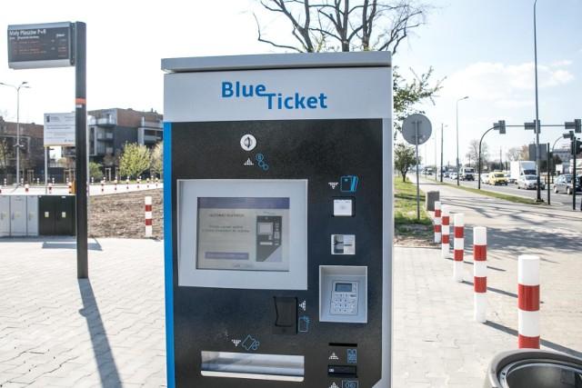 W związku z pandemią koronawirusa Zarząd Transportu Publicznego w Krakowie wprowadza zmianę dotyczącą opłat za postój samochodów na parkingach park&ride.