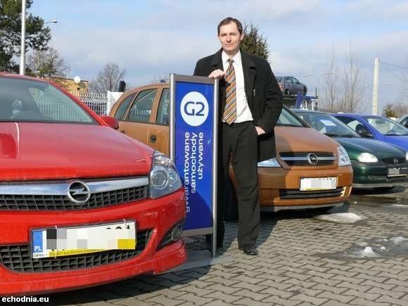 Sprzedaż aut używanych znacząco zmalała - mówi Mariusz Błoński, dyrektor w firmie Polmot Auto Bis Kielce (fot. R Felczak)