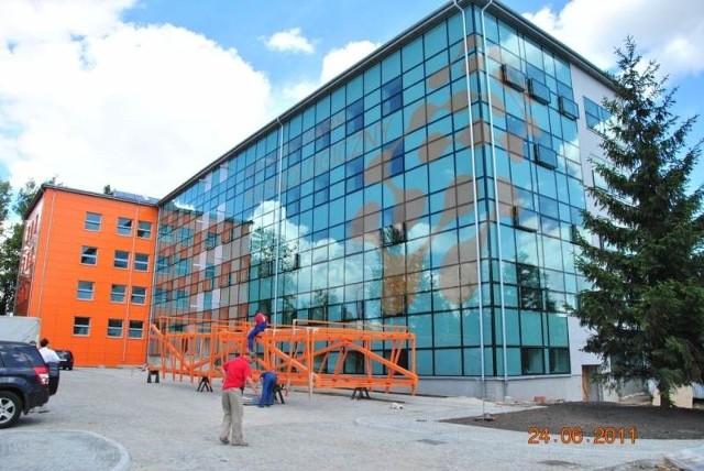 Kielecki Inkubator Technologiczny powstaje przy ulicy Olszewskiego. W październiku, do nowych biur wprowadzić mają się pierwsze firmy.