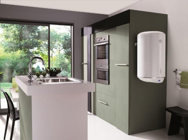 Wiszący pojemnościowy ogrzewacz wodyOgrzewacz z wysokogatunkowej stali polakierowany jest białym lakierem epoxy-polyester.