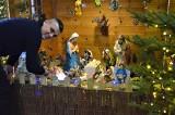 W kościele na Wojsławiu powstała ruchoma szopka bożonarodzeniowa. Jej autorem jest prezes SPR Stali Mielec [ZDJĘCIA, WIDEO]