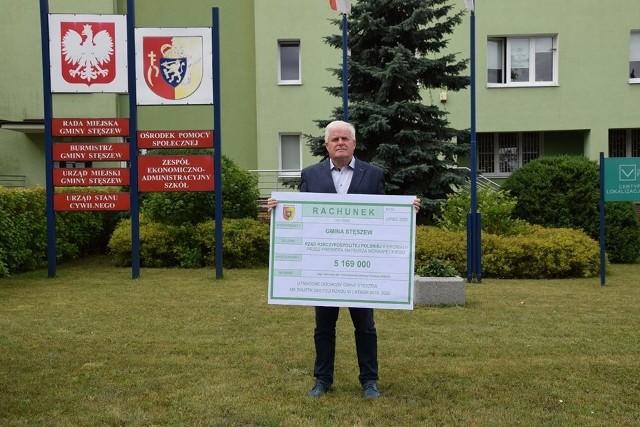 Do akcji zapoczątkowanej przez burmistrza Chodzieży w piątek dołączyli między innymi starosta poznański Jan Grabkowski i burmistrz Stęszewa Włodzimierz Pinczak.