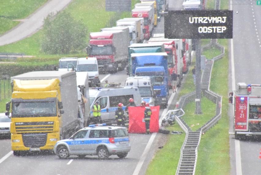 Do groźnego wypadku doszło około godz. 16 na wjeździe do...
