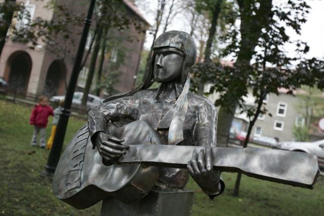 W Bytomiu odsłonięto rzeźbę Karin Stanek
