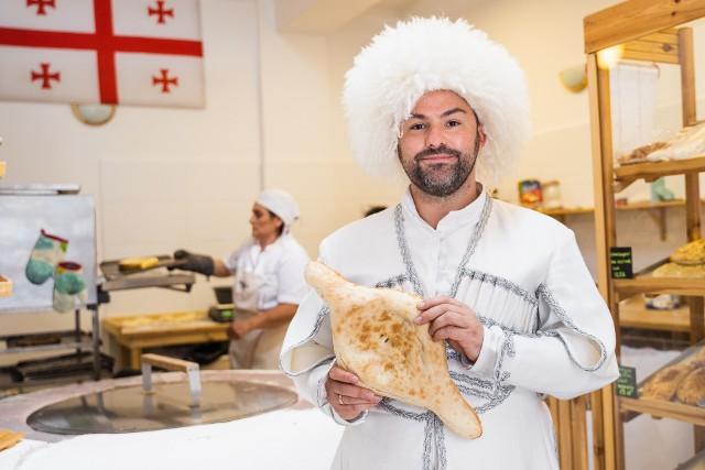 Krzysztof Nodar Ciemnołoński, pomysłodawca i właściciel Piekarni Gruzińskiej Nodaris Puri w Toruniu mówi: - Piekarnia to nasz kolejny ukłon w stronę Gruzji.