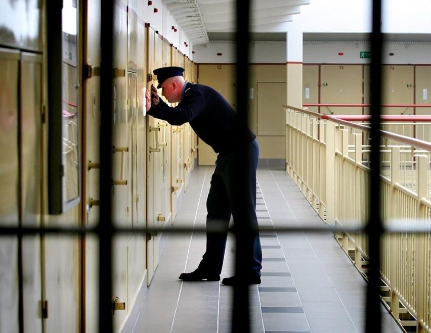 W tym areszcie w ciągu kilkunastu miesięcy doszło  do...