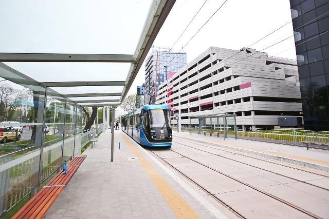 Pasażerowie będą mogli skorzystać z nowego przystanku przy ulicy Robotniczej.
