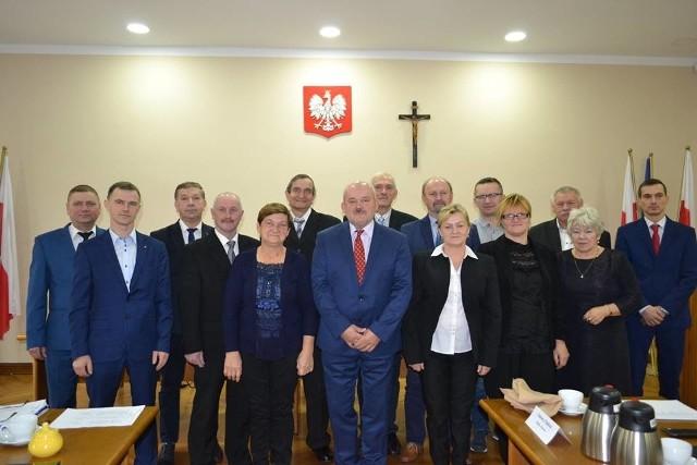 W skład Rady Gminy Chełmno wchodzi piętnastu radnych. Otrzymali zaświadczenia o wyborze  i złożyli już uroczyste ślubowanie
