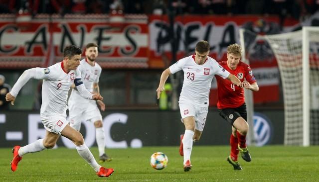 Robert Lewandowski (z lewej) nie stracił szansy występu na Euro 2020. Krzysztof Piątek obejrzy niestety mistrzostwa w roli kibica.