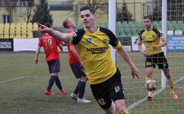 Arkadiusz Gajewski, Michał Bury i Paweł Szołtys - tych trzech zawodników za porozumieniem stron rozwiązało kontrakty z występującą w grupie czwartej piłkarskiej trzeciej ligi Siarką Tarnobrzeg.