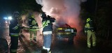 Pożar auta na drodze wojewódzkiej 177 koło miejscowości Studniczka [ZDJĘCIA]