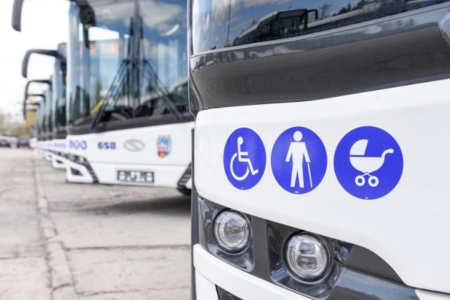 W kwietniu do Torunia dotarło 8 nowych autobusów. To jednak nie koniec zakupów.