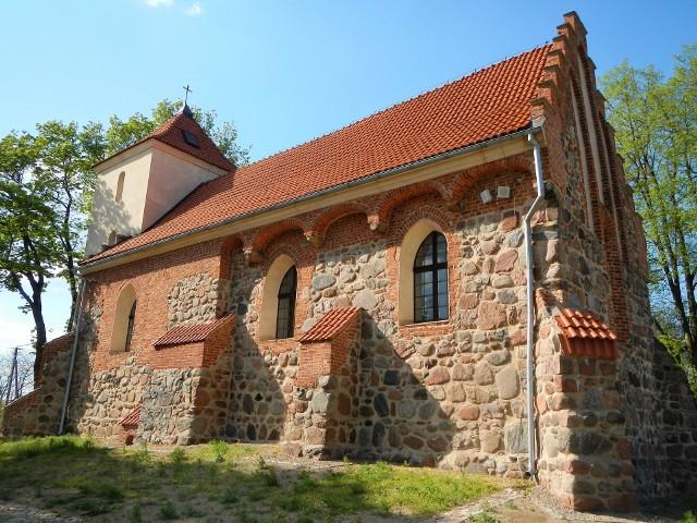 Nie tylko zamki krzyżackie, także gotyckie kościoły świadczą o znaczeniu tego zakonu rycerskiego na ziemiach polskich. Prezentujemy świątynie wiejskie, które nie mogą się równać z miejskimi, ale i tak budowane z kamieni i cegły, i dziś robią wrażenie, a przy tym nadal służą parafianom