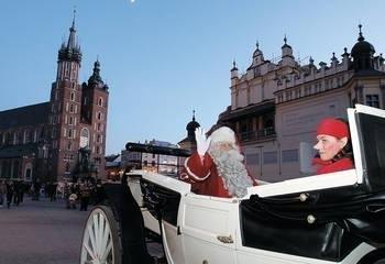 Święty Mikołaj dotarł na Rynek Główny w krakowskiej dorożce