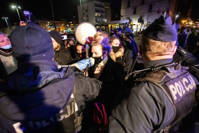 Protest organizowany jest m.in. przez Strajk Kobiet Wrocław i Wrocławskie Błyskawice