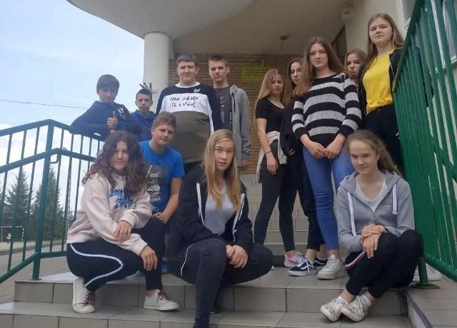 Podczas ferii zimowych uczniowie ZS w Turośni Kościelnej wzięli udział w zajęciach z ekonomii i przedsiębiorczości. Uczestniczyli w grach i zabawach ekonomicznych, przygotowali też biznesplan