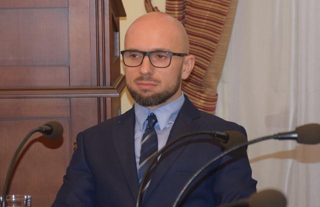 Nowy radny - Paweł Zalewski - na swojej pierwszej sesji - Zielona Góra - 26 listopada 2019 roku
